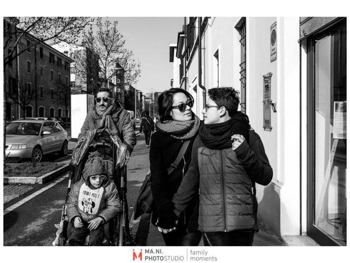 Progetto di fotografia documentaria: I Rari. Passeggiata domenicale per le vie di Modena.