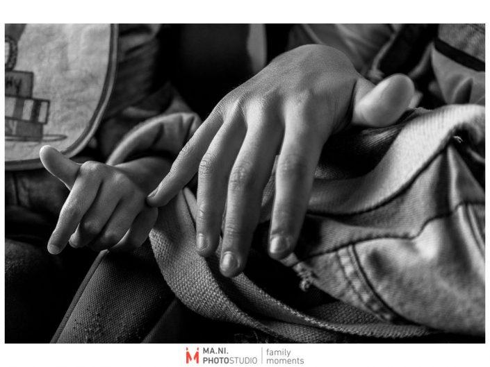 Progetto di fotografia documentaria: I Rari. Piccoli segni di affetto tra fratelli.