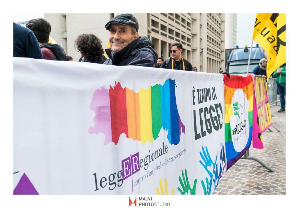 Presidio per legge regionale contro l'omotransfobia a Bologna