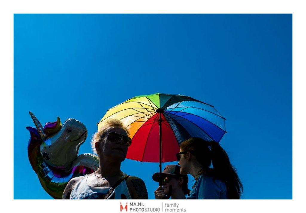 simboli del pride parade arcobaleno e unicorno