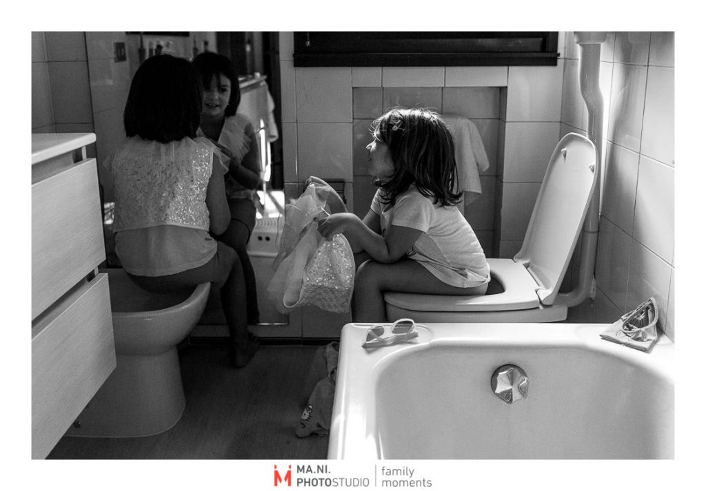 al bagno si va sempre insieme